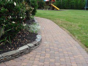 coblestone paver walkway